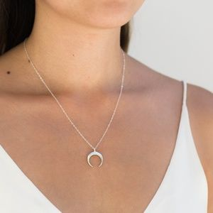 Dainty Crescent Horn Necklace (Silver)